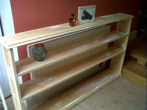 handmade-bookcase-christmas-present