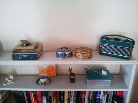 Vintage tins - queen