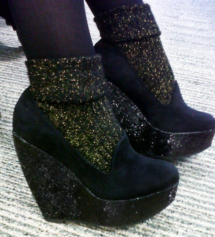 Black sparkle wedge slippers